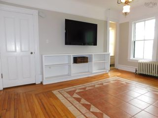 Photo 3: 15 LOCUST Avenue in Wolfville: 404-Kings County Residential for sale (Annapolis Valley)  : MLS®# 202121090