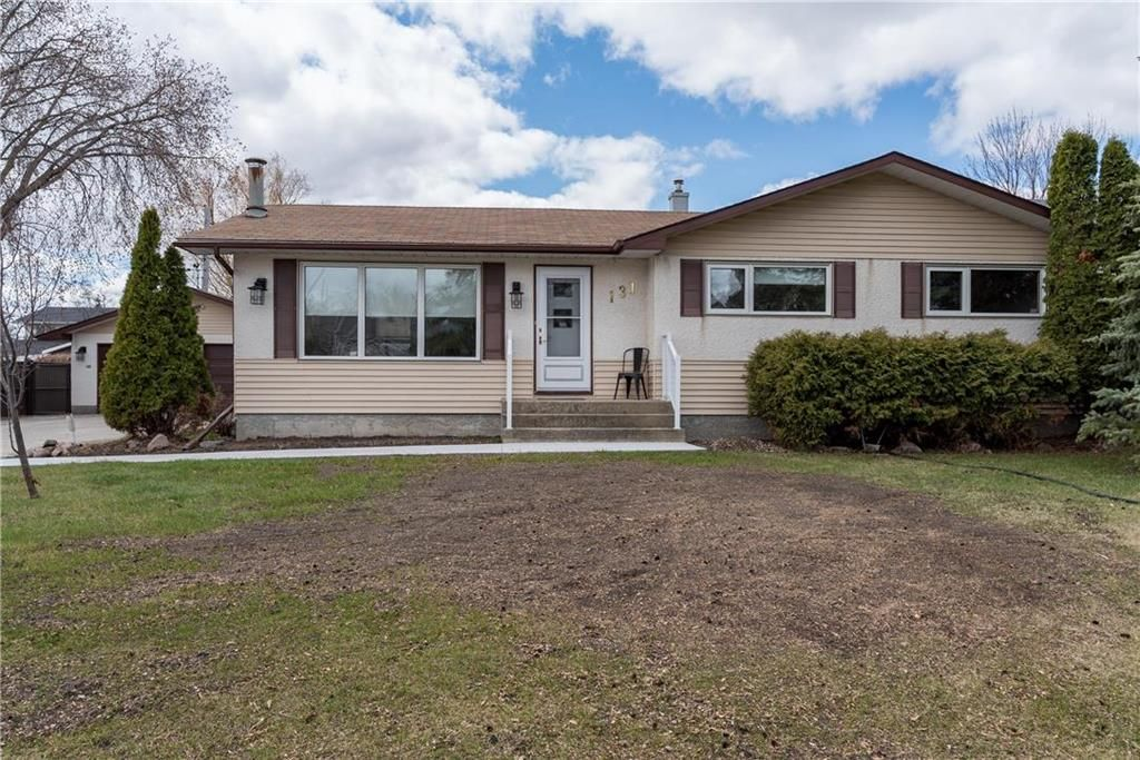 Main Photo: 131 Hillview Avenue in East St Paul: Birds Hill Town Residential for sale (3P)  : MLS®# 202110748