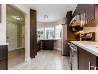 """Photo 2: 6 7551 140 Street in Surrey: East Newton Townhouse for sale in """"Glenview Estates"""" : MLS®# R2244371"""