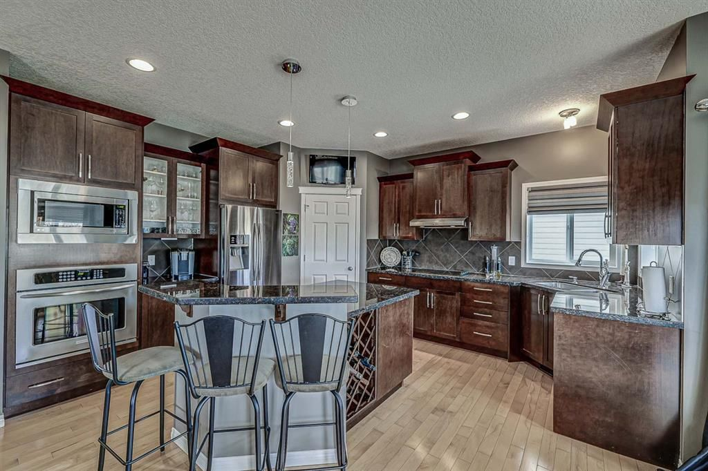 Photo 7: Photos: 66 Everhollow Rise SW in Calgary: Evergreen Detached for sale : MLS®# A1101731