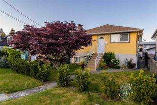 Photo 1: 7372 2ND STREET in Burnaby: East Burnaby House for sale (Burnaby East)  : MLS®# R2369395