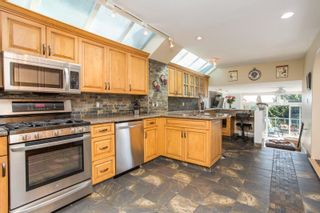 """Photo 5: 1246 OXFORD Street: White Rock House for sale in """"HILLSIDE"""" (South Surrey White Rock)  : MLS®# R2615976"""