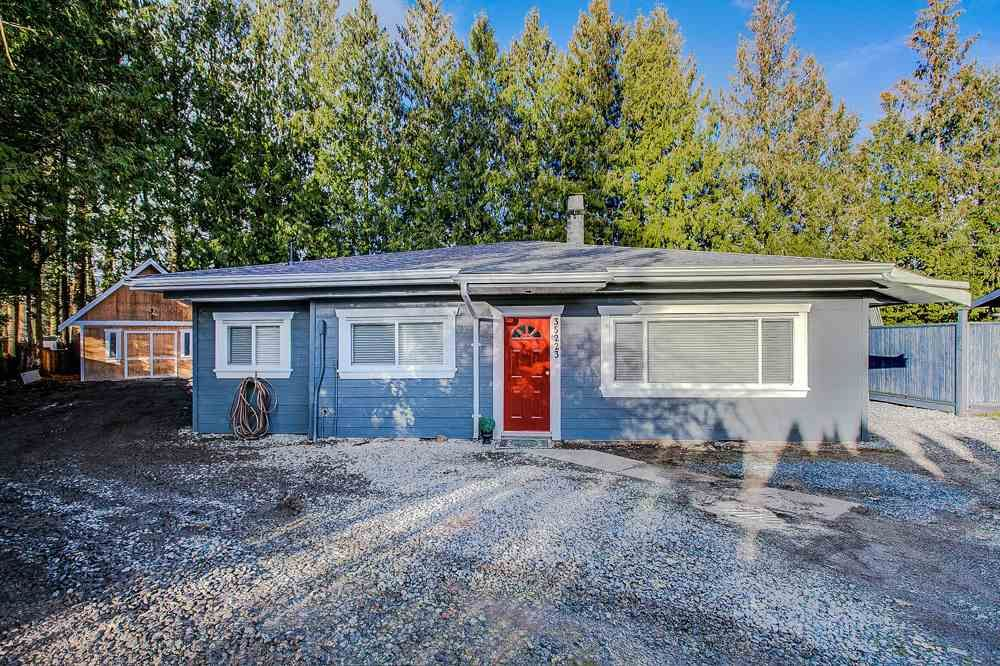 Main Photo: 35223 RIVERSIDE Road in Mission: Hatzic House for sale : MLS®# R2326301