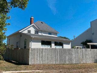 Photo 4: 237 Portage Avenue in Portage la Prairie: House for sale : MLS®# 202120515