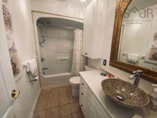 Photo 19: 631 Kings Road in Sydney: 201-Sydney Residential for sale (Cape Breton)  : MLS®# 202122049
