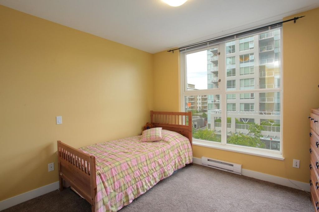 """Photo 8: Photos: 405 121 W 16TH Street in North Vancouver: Central Lonsdale Condo for sale in """"THE SILVA"""" : MLS®# V965894"""