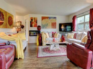 Photo 3: 100 1694 Cedar Hill Cross Rd in : SE Mt Tolmie Condo for sale (Saanich East)  : MLS®# 886308