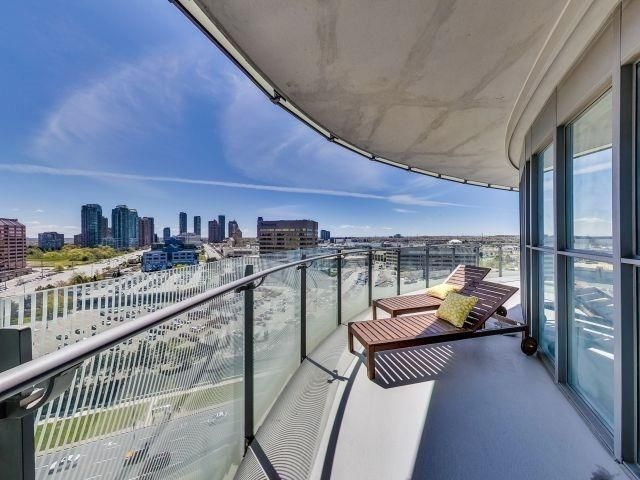 Photo 16: Photos: 1406 50 Absolute Avenue in Mississauga: City Centre Condo for sale : MLS®# W3804080