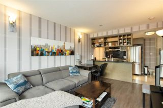 """Photo 3: 1105 833 SEYMOUR Street in Vancouver: Downtown VW Condo for sale in """"Capitol Residences"""" (Vancouver West)  : MLS®# R2499995"""
