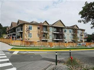 Photo 1: 307 21 Conard St in : VR Hospital Condo for sale (View Royal)  : MLS®# 569639