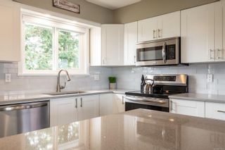 Photo 2: 872 Kalmar Rd in : CR Campbell River Central House for sale (Campbell River)  : MLS®# 873896