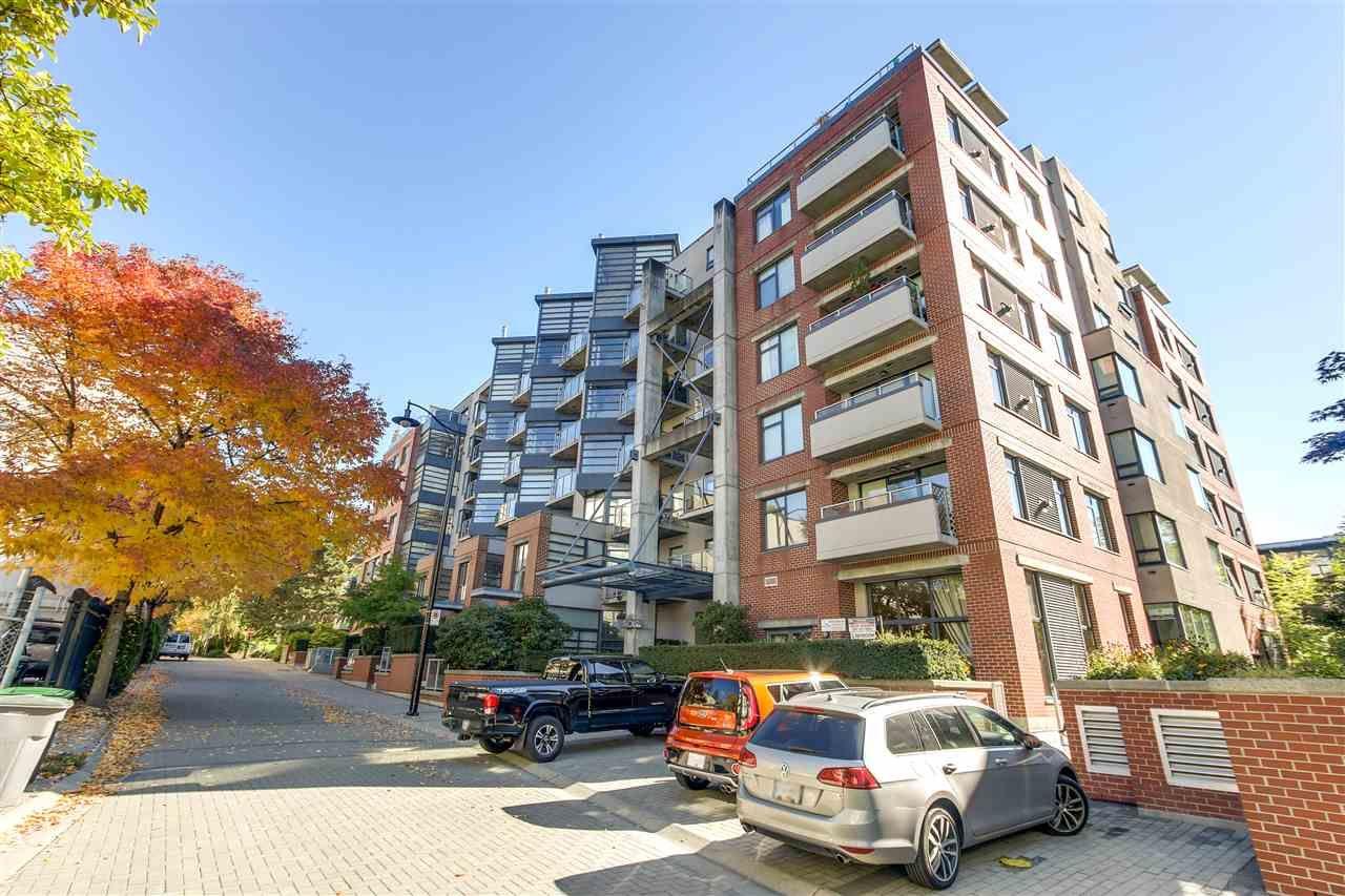 "Main Photo: 314 2228 MARSTRAND Avenue in Vancouver: Kitsilano Condo for sale in ""The SOLO"" (Vancouver West)  : MLS®# R2213454"