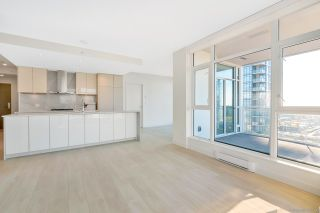 "Photo 6: 2206 4670 ASSEMBLY Way in Burnaby: Metrotown Condo for sale in ""STATION SQUARE 2"" (Burnaby South)  : MLS®# R2347392"