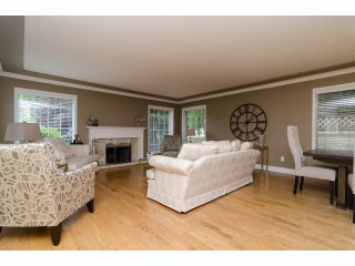 """Photo 5: 2977 NORTHCREST Drive in Surrey: Elgin Chantrell House for sale in """"Elgin Park Estates"""" (South Surrey White Rock)  : MLS®# F1418044"""