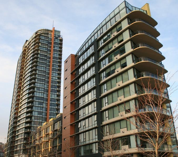 Main Photo: 2502 33 SMITHE STREET in Vancouver: Yaletown Condo for sale (Vancouver West)  : MLS®# R2228329