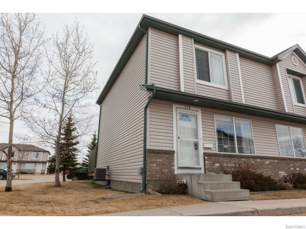 Main Photo: 119 663 Beckett Crescent in Saskatoon: Arbor Creek Complex for sale (Saskatoon Area 01)  : MLS®# 604304
