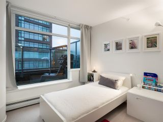 Photo 9: 306 1708 COLUMBIA STREET in Vancouver: False Creek Condo for sale (Vancouver West)  : MLS®# R2341537