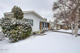Photo 3: 5916 Dalcastle Drive NW in Calgary: Dalhousie Detached for sale : MLS®# A1085841