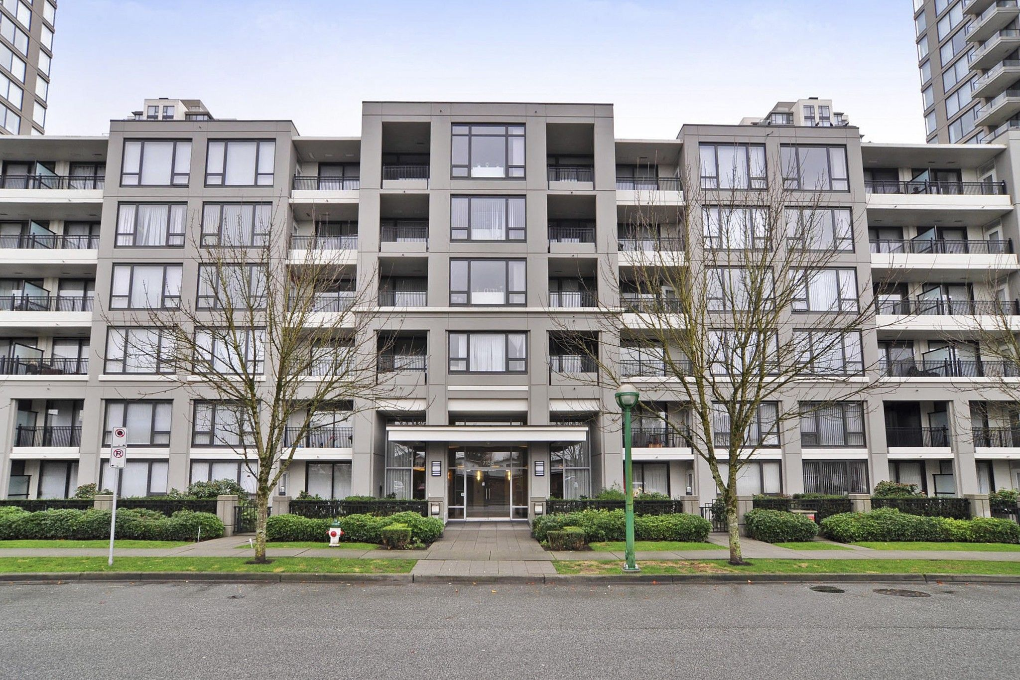 """Photo 1: Photos: 312 7138 COLLIER Street in Burnaby: Highgate Condo for sale in """"STANDFORD HOUSE"""" (Burnaby South)  : MLS®# R2224760"""