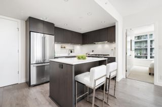 """Photo 6: 1102 111 E 1ST Avenue in Vancouver: Mount Pleasant VE Condo for sale in """"BLOCK 100"""" (Vancouver East)  : MLS®# R2617874"""