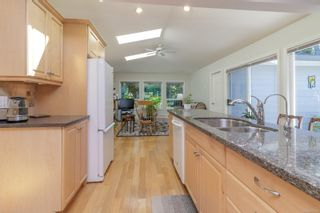Photo 11: 6935 Shiner Pl in : CS Brentwood Bay House for sale (Central Saanich)  : MLS®# 877432
