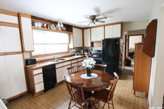 Photo 2: 327 13th Avenue Northeast in Swift Current: North East Residential for sale : MLS®# SK758505
