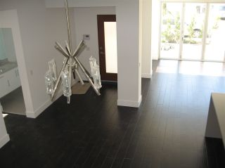 Photo 7: PACIFIC BEACH Townhouse for sale : 3 bedrooms : 705 Wrelton in San Diego