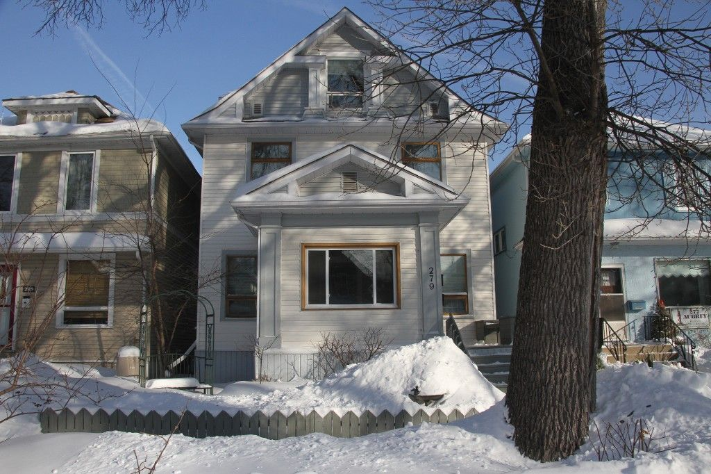 Welcome to 279 Aubrey St. in Wolseley