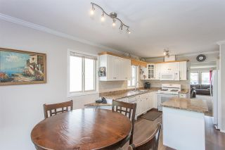 "Photo 5: 44389 ELSIE Place in Chilliwack: Sardis West Vedder Rd House for sale in ""Petersburg"" (Sardis)  : MLS®# R2564238"