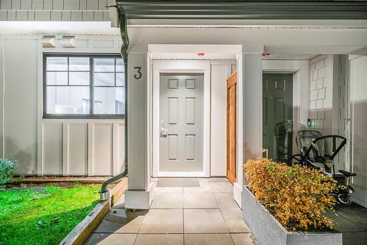 Main Photo: 3 5178 SAVILE Row in Burnaby: Burnaby Lake Townhouse for sale (Burnaby South)  : MLS®# R2624872
