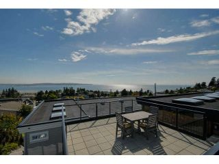Photo 2: 1040 LEE Street: White Rock House for sale (South Surrey White Rock)  : MLS®# F1442706