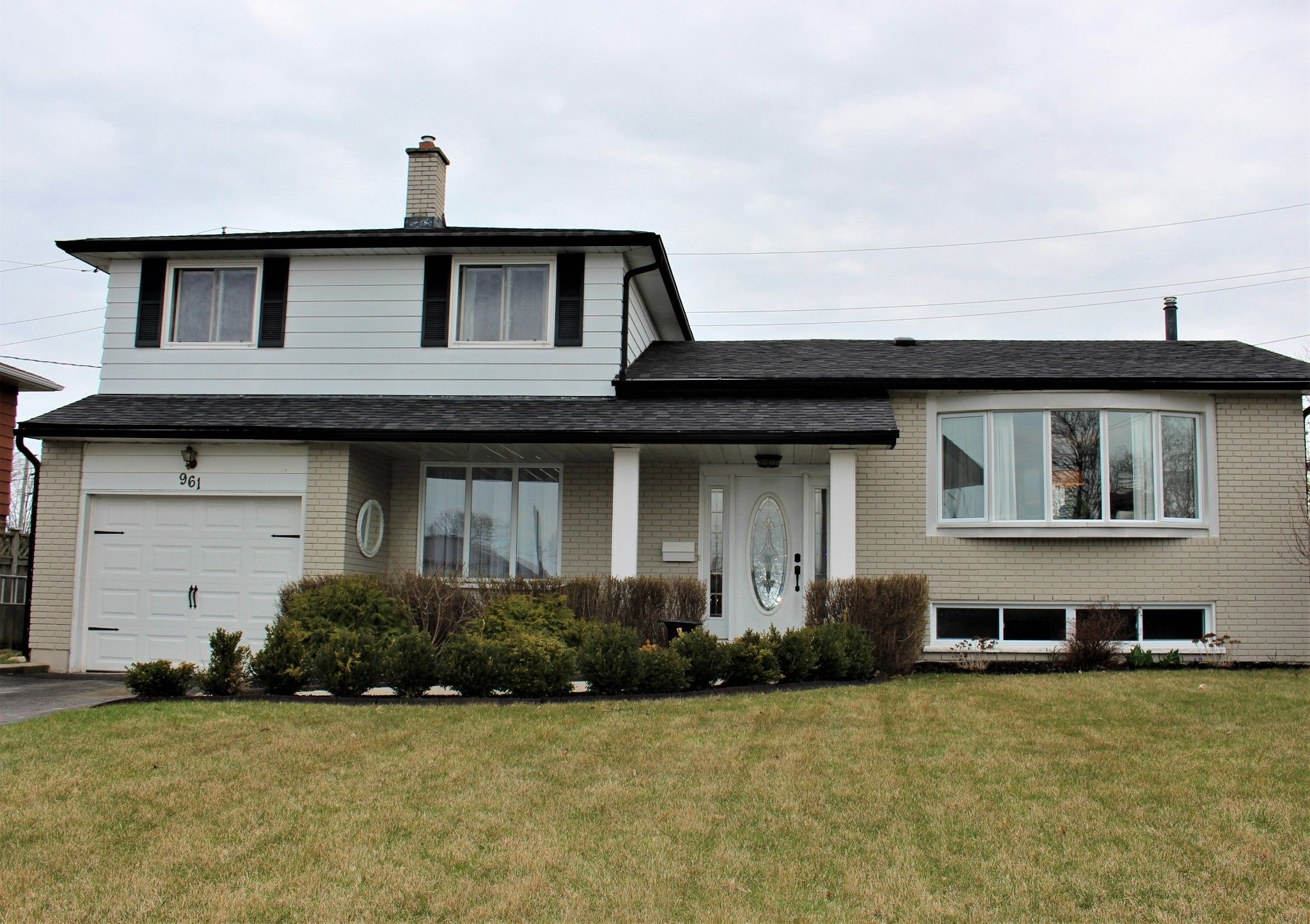 Main Photo: 961 Curtis Crescent in Cobourg: House for sale : MLS®# 188908