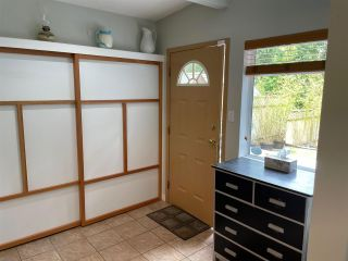 Photo 4: 5747 NAYLOR Road in Sechelt: Sechelt District House for sale (Sunshine Coast)  : MLS®# R2592089