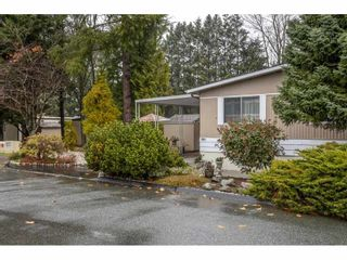 """Photo 3: 280 1840 160 Street in Surrey: King George Corridor Manufactured Home for sale in """"BREAKAWAY BAYS"""" (South Surrey White Rock)  : MLS®# R2517093"""
