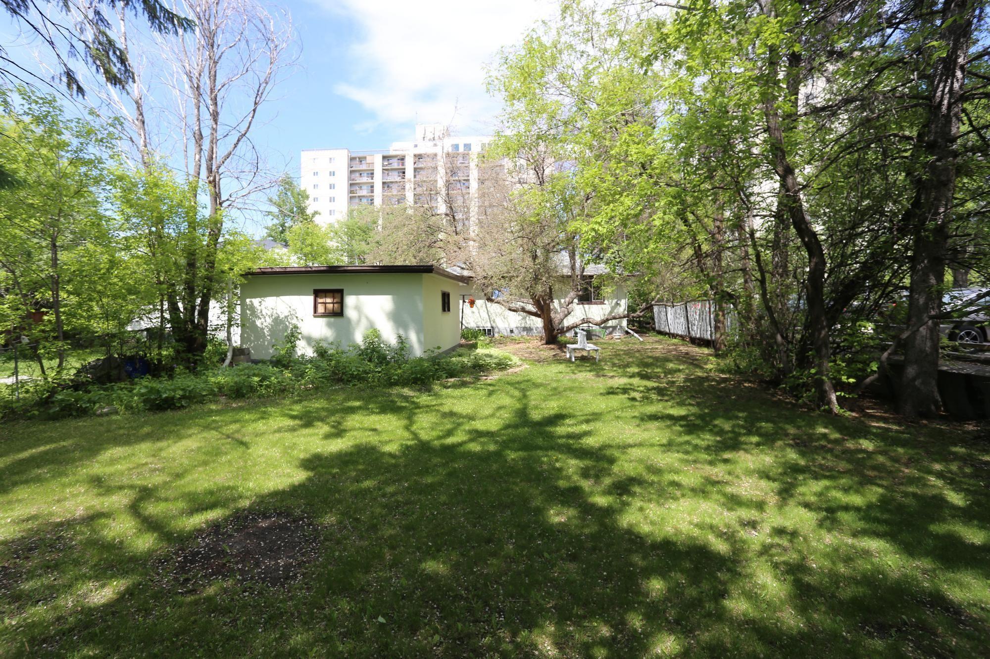 Photo 24: Photos: 290 McLeod Avenue in Winnipeg: North Kildonan Single Family Detached for sale (3F)  : MLS®# 1814938