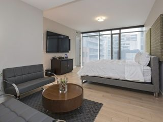 Photo 5: 500 Wellington St W Unit #402 in Toronto: Waterfront Communities C1 Condo for sale (Toronto C01)  : MLS®# C3602627