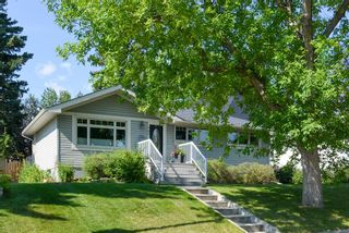 Main Photo: 407 Thorndale Road NW in Calgary: Thorncliffe Detached for sale : MLS®# A1144526