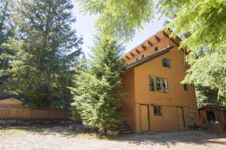 """Photo 3: 8123 ALPINE Way in Whistler: Alpine Meadows House for sale in """"Alpine Meadows"""" : MLS®# R2591210"""