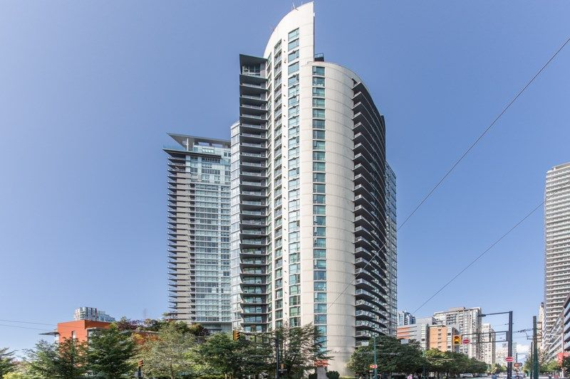 "Main Photo: 2707 501 PACIFIC Street in Vancouver: Downtown VW Condo for sale in ""THE 501"" (Vancouver West)  : MLS®# R2532410"