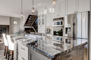 Photo 8: 25 Windermere Road SW in Calgary: Wildwood Detached for sale : MLS®# A1073036