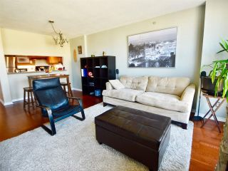 Photo 3: 905 10 LAGUNA COURT in New Westminster: Quay Condo for sale : MLS®# R2200464