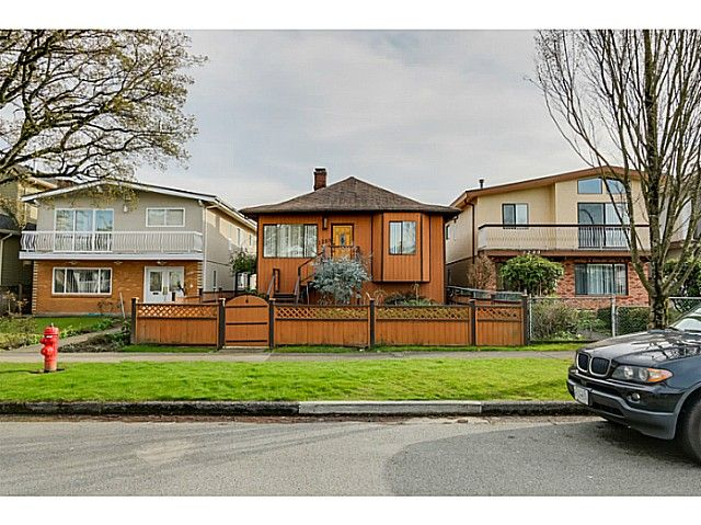 """Main Photo: 1288 E 26TH Avenue in Vancouver: Knight House for sale in """"CEDAR COTTAGE"""" (Vancouver East)  : MLS®# V1114314"""