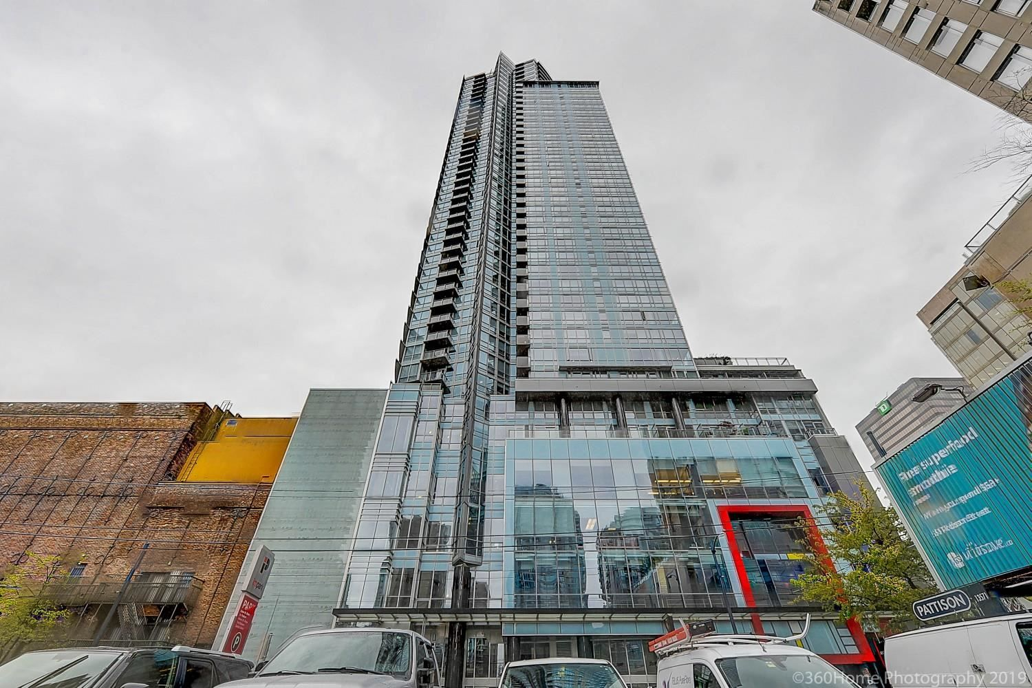 """Main Photo: 1503 833 SEYMOUR Street in Vancouver: Downtown VW Condo for sale in """"CAPITOL RESIDENCES"""" (Vancouver West)  : MLS®# R2600228"""