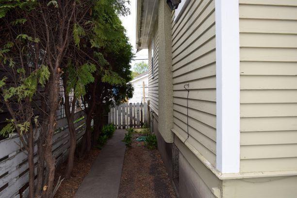 Photo 13: Photos: 11242 94 Street in Edmonton: Zone 05 House for sale : MLS®# E4246790