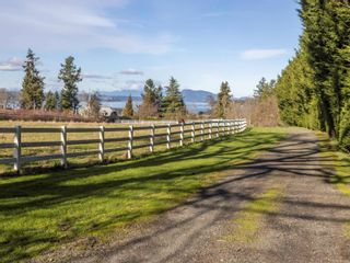 Photo 5: 9760 West Saanich Rd in : NS Ardmore House for sale (North Saanich)  : MLS®# 864277