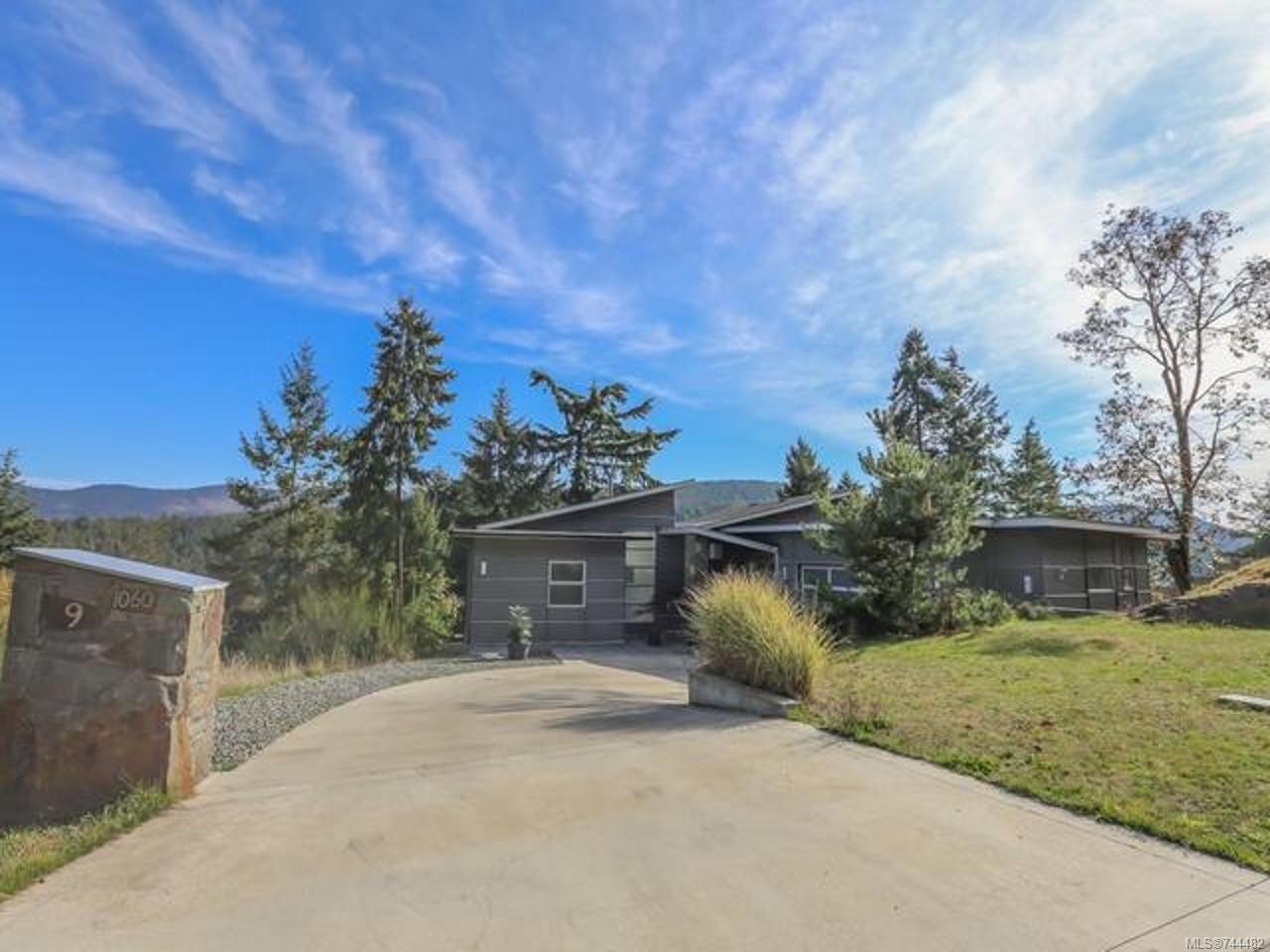 Main Photo: 9 1060 SHORE PINE Close in DUNCAN: Du East Duncan House for sale (Duncan)  : MLS®# 744482