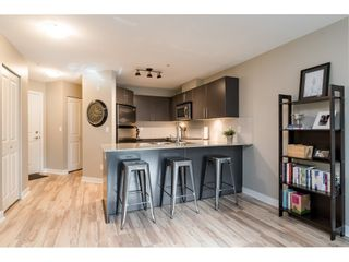 """Photo 7: 113 8915 202 Street in Langley: Walnut Grove Condo for sale in """"THE HAWTHORNE"""" : MLS®# R2444586"""