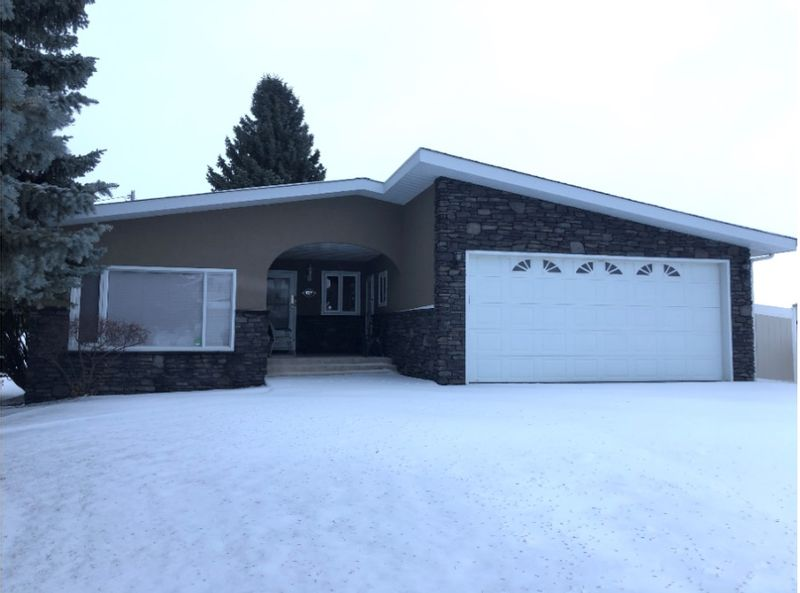 FEATURED LISTING: 9319 99 Avenue Westlock