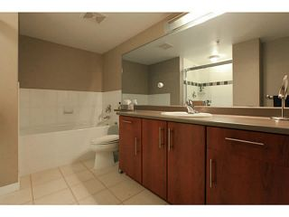 """Photo 16: 2206 120 MILROSS Avenue in Vancouver: Mount Pleasant VE Condo for sale in """"THE BRIGHTON"""" (Vancouver East)  : MLS®# V1108623"""