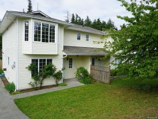 Photo 1: A 784 BEAVER LODGE ROAD in CAMPBELL RIVER: CR Campbell River Central Half Duplex for sale (Campbell River)  : MLS®# 760938